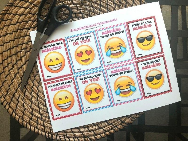 Printable Emoji Valentines Cards